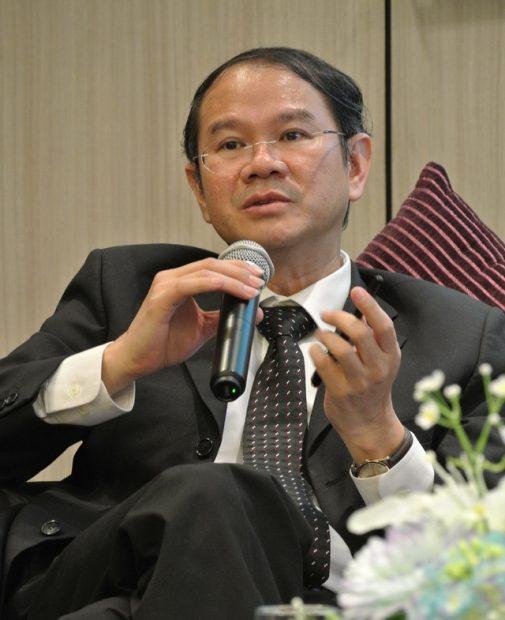 ดร.คณิศ แสงสุพรรณ ผู้อำนวยการสถาบันวิจัยเศรษฐกิจและการคลัง