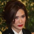 พลอย เฌอมาลย์ บุญยศักดิ์ ขณะออกมาแถลงข่าวทั้งน้ำตา ที่มาภาพ : httpwww.naewna.comentertain20273