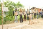 หุ่นจำลองระบุชื่อผู้ที่เกี่ยวข้องกับเหตุการณ์คืนวันที่ 15 พฤษภาคม 2557 รวม 10 คน ถูกแขวนคอ