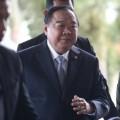 พล.อ. ประวิตร วงษ์สุวรรณ รองนายกรัฐมนตรี และรัฐมนตรีว่าการกระทรวงกลาโหม  ที่มาภาพ : http://www.bangkokbiznews.com/home/media/2014/09/04/images/news_img_602784_1.jpg