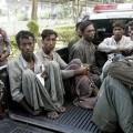 ที่มาภาพ : http://cdn.asiancorrespondent.com/wp-content/uploads/2013/03/ThailandRohingyaPolice-621x331.jpg