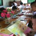 งานวิจัยหลายชิ้นยืนยันว่า เด็กเป็นช่วงวัยที่อ่านหนังสือมากที่สุด และคนไทยอ่านหนังสือเฉลี่ย 66 นาที/วัน ที่มาภาพ : http://www.dailynews.co.th/images/1141272?s=750x500