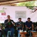 """เวทีสัมมนาเฟล็กทีภาคประชาสังคม  """"เฟล็กที-คืนสิทธิต้นไม้ ให้ผู้ปลูกและชุมชน"""" (Right to wood) เมื่อวันที่ 13 พฤษภาคม 2559 ที่ผ่านมา ณ สวนป่าหอมมีสุข ต.กะเฉด อ.เมือง จ.ระยอง"""