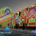 โครงการประดับตกแต่งไฟฟ้าเพื่อส่งเสริมการท่องเที่ยว (Motif of Light) ของ กทม. งบประมาณ 39.5 ล้านบาท ที่มาภาพ : http://goo.gl/aGGSSw
